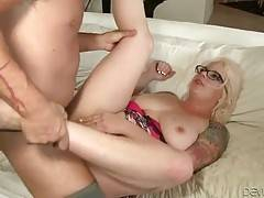 Slutty lady loves to feel hard dick moving inside her ass.